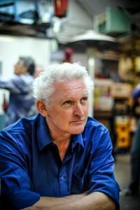 """auteursfoto Joost Pollmann, """"Schertsfiguur"""", Uitgeverij in de Knipscheer 2018"""